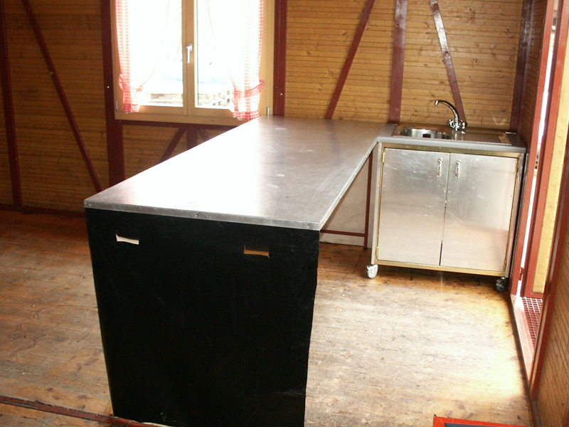 grosser Buffettisch (2.5×0.9m)